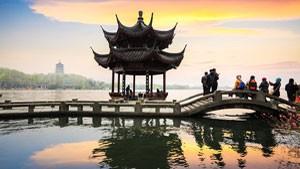 west-lake-Hangzhou-300-x-169