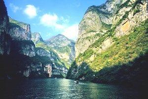 Hong Kong 7's & Yangtze River Cruise